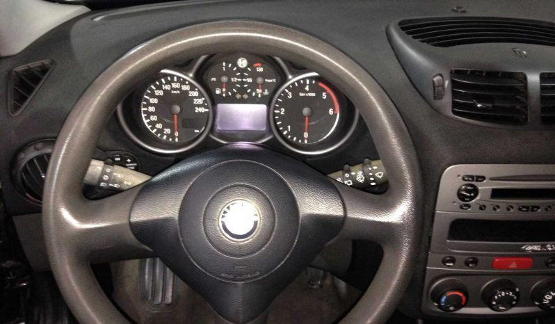 Alfa Romeo 147 completo